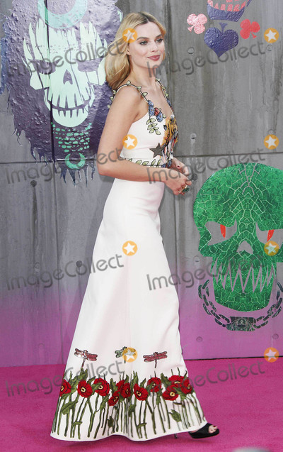 """Margot Robbie Photo - Photo by: KGC-254/starmaxinc.comSTAR MAX2016ALL RIGHTS RESERVEDTelephone/Fax: (212) 995-11968/3/16Margot Robbie at the premiere of """"Suicide Squad"""".(London, England)"""