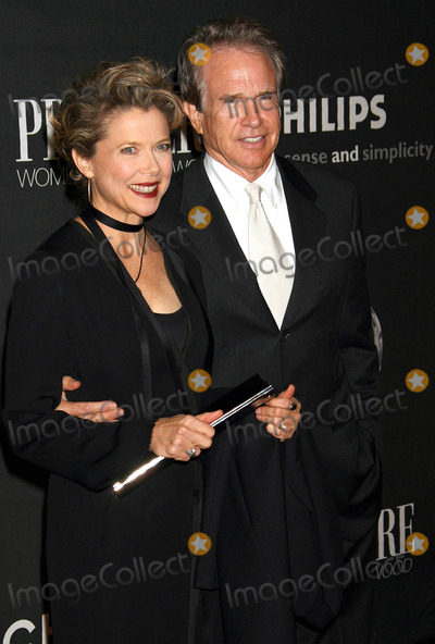 Annette Bening, Warren Beatty Photo - Photo by: NPX/starmaxinc.com2006. 9/20/06Annette Bening and Warren Beatty at the 13th Annual Premiere Women In Hollywood Luncheon.(Beverly Hills, CA)***Not for syndication in France!***