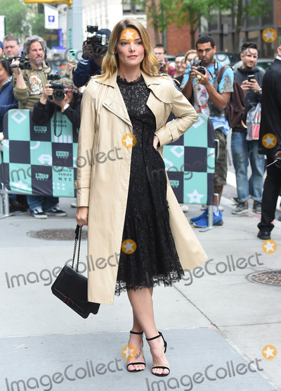 Ashley Greene, TK, ASHLEY GREEN Photo - Photo by: TK/starmaxinc.comSTAR MAX2018ALL RIGHTS RESERVEDTelephone/Fax: (212) 995-11965/22/18Ashley Greene is seen in New York City.