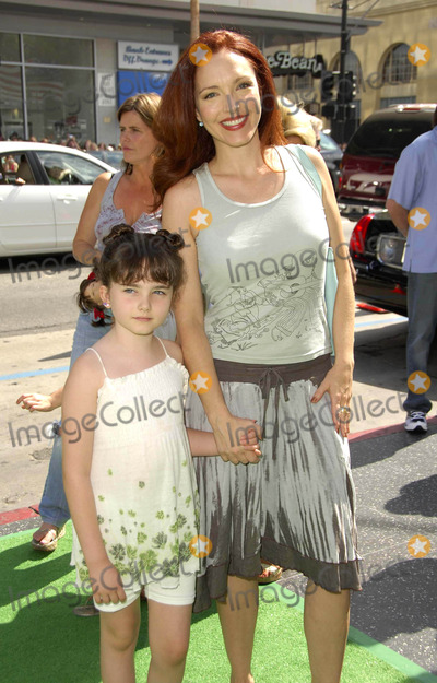"""Amy Yasbeck, Bully Photo - Photo by: Michael Germana/starmaxinc.com2006. 7/23/06Amy Yasbeck and her daughter Stella at the premiere of """"The Ant Bully"""".(Hollywood, CA)"""