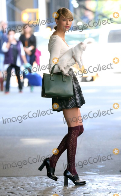 Taylor Swift Photo - Photo by: KG/starmaxinc.comSTAR MAX2014ALL RIGHTS RESERVEDTelephone/Fax: (212) 995-11969/16/14Taylor Swift is seen in New York City.(NYC)