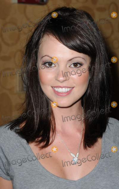 Photo - LOS ANGELES, CA - OCTOBER 1: Model Bethanie Badertscher at the Sign of the Times Convention held at LAX Marriott Hotel on Saturday October 1, 2011  in Lo Angeles, California  (Albert L. Ortega/ImageCollect.com)