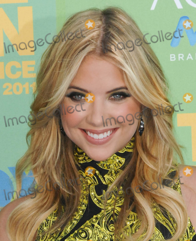 Ashley Benson Photo - UNIVERSAL CITY, CA - AUGUST 7: Actress Ashley Benson attends FOX's Teen Choice Awards 2011 on August 7, 2011  in Universal City, California  (Albert L. Ortega/ImageCollect.com)