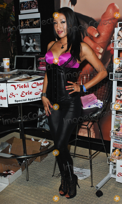 Photo - LOS ANGELES, CA - AUGUST 27:  Adult film actress Vicki Chase appears at Day 2 of the 2011 eXXXotica Los Angeles  at the Los Angeles COnvention Center West Hall on August 27, 2011  in Downtown Los Angeles, California  (Albert L. Ortega/ImageCollect.com)