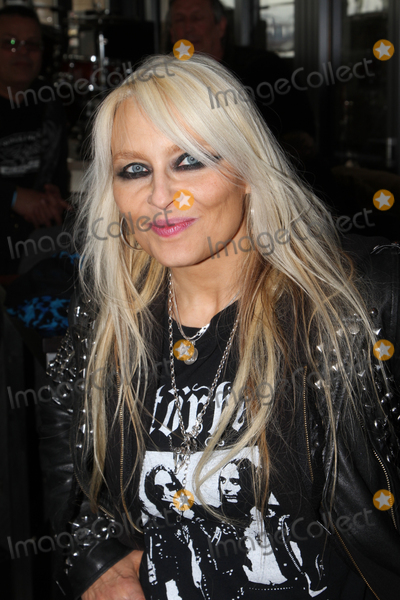 photos and pictures singer doro pesch presents new cd and music