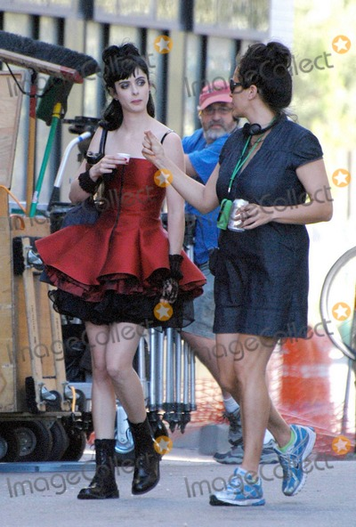 "Amy Heckerling, Krysten Ritter, Krysten Ritter- Photo - EXCLUSIVE!! Krysten Ritter chats with director Amy Heckerling on the set of the new movie ""Vamps"" in Detroit, MI. 8/16/10.