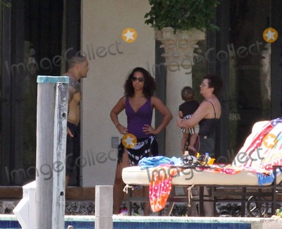 Photos and Pictures - Alicia Keys enjoys a second family pool day in South Beach today ...