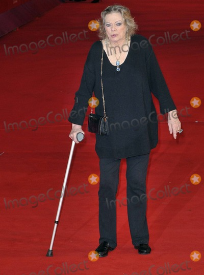 "Anita Ekberg Photo - Anita Ekberg walks the red carpet at Auditorium Parco Della Musica for the premiere of ""La Dolce Vita"", celebrating the release of a restored version 50 years after the Italian movie was first released, during the 5th International Rome Film Festival. Rome, ITA. 10/30/10."