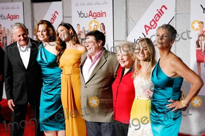 Andy Fickman, Betty White, Jamie Lee Curtis, Kristen Bell, Odette Yustman, Sigourney Weaver, Victor Garber, Jamie Lee, Jamie Salé Photo - (L-R) Victor Garber, Sigourney Weaver, Odette Yustman, Andy FIckman, Betty White, Kristen Bell and Jamie Lee Curtis at the You Again premiere in Los Angeles, CA. 9/22/10