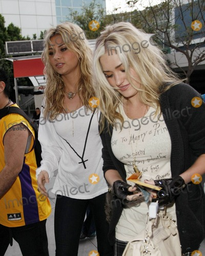 Aly & AJ, Aly and AJ, Alyson Michalka, Amanda Michalka, ALY, AJ, Ali Farka Touré Photo - Alyson Michalka and Amanda Michalka (also known as Aly & AJ) of the pop band 78violet arrive at the Staples Center to watch the Utah Jazz verses the Los Angeles Lakers basketball game. Los Angeles, CA. 04/05/11.