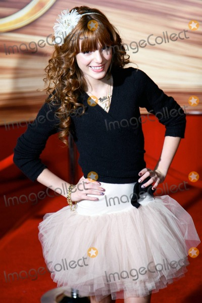 """Bella Thorne Photo - Bella Thorne at the premiere of """"Tangled"""" at the El Capitan Theatre in Hollywood, CA. 11/14/10."""