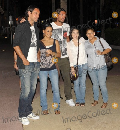 Alessandro Nesta, Paolo Maldini Photo - EXCLUSIVE!! Italian footballers Alessandro Nesta (L) and Paolo Maldini (R) happily pose with fans while out for the evening on Lincoln Road with their wives Adriana Maldini and Gabriela Pagnozzi. Miami Beach, FL.  07/09/10. Fees must be agreed prior to publication.