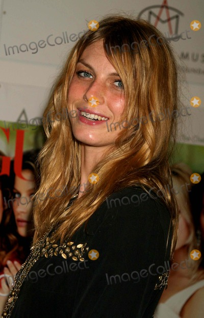 Angela Lindvall, Angela Lindval Photo - Angela Lindvall at Ann Taylor 50th Anniversary Celebration with Vogue at Chelsea Art Museum in New York City on September 9, 2004. Photo by Henry Mcgee/Globe Photos, Inc. 2004. K39256hmc Angela Lindvall