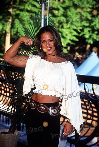 "Alicia Calaway Photo - Season Finale of ""Survivor Marquesas"" Wollman Rink Central Park, NY 05/20/02 Photo by Henry Mcgee/Globe Photos, Inc. 2002 Alicia Calaway"