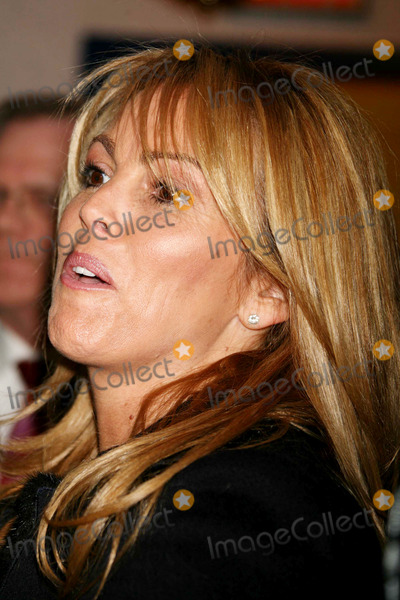 Dina Lohan, Ronald McDonald Photo - Dina Lohan at the Ronald Mcdonald House of New York in New York City on 12-07-2005. Photo by Henry Mcgee/Globe Photos, Inc. 2005.