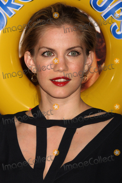 """Anna Chlumsky, Anna Maria Perez de Taglé Photo - Anna Chlumsky Arriving at a Screening of Columbia Pictures' """"Grown Ups"""" at the Ziegfeld Theater in New York City on 06-23-2010. Photo by Henry Mcgee-Globe Photos, Inc. 2010."""