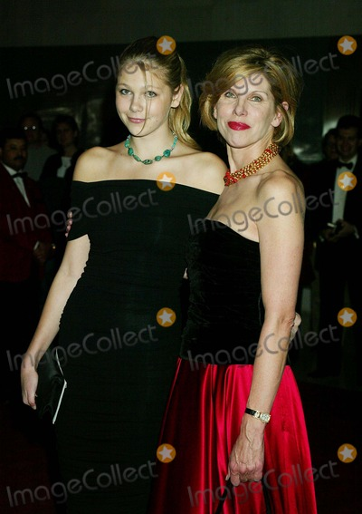 Christine Baranski, Kennedy, Christine Baransky Photo - Sd12/08/2002 the Kennedy Center Honors 2002 at the Hall of States Kennedy Center,washington,d.c Christine Baranski_dtr Lily Cowles Photo by Henry Mcgee/Globe Photos,inc.