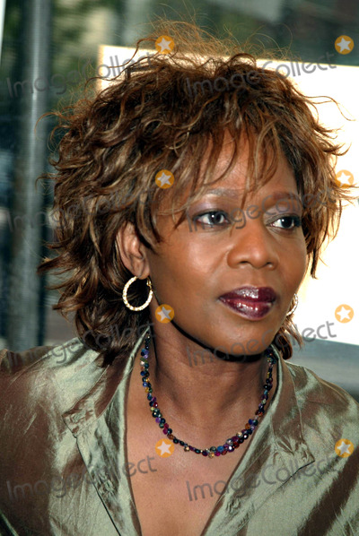 """Alfre Woodard Photo - Sd05/06/2003 Tribeca Film Festival Premiere of """"Down with Love"""" at the Tribeca Performing Arts Center, New York City. Photo by Henry Mcgee / Globe Photos,inc. Alfre Woodard"""