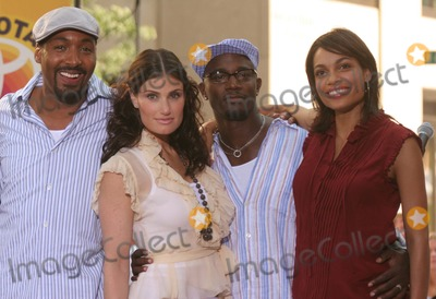 Idina Menzel, Jesse L Martin, Jesse L Martin, Jesse L. Martin, Rosario Dawson, Taye Diggs, The Cast Photo - New York, NY 8-4-2005Jesse L. Martin, Idina Menzel, Taye Diggs and Rosario Dawson performing with the cast of the movie RENT on The Today Show Toyota Concert Series in Rockefeller Center.Digital Photo by Lane Ericcson-PHOTOlink.org