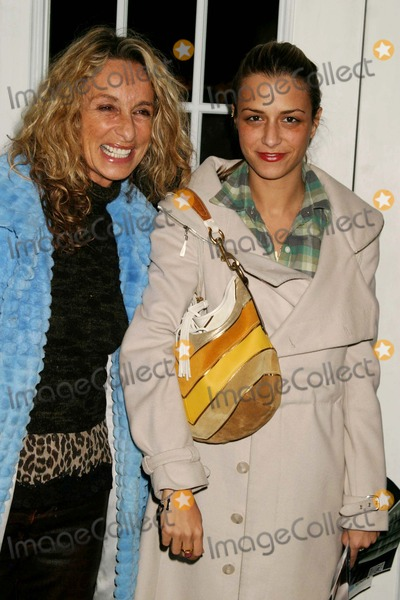 Ann Jones, Charlotte Ronson, Jennifer Lopez, Anne Jones, JENNIFER LOPEZ, Photo - Ann Jones and Charlotte Ronson at Jennifer Lopez Showing of Fall Collection at the the Tent in Bryant Park in New York City on 02-11-2005. Photo by Henry Mcgee/Globe Photos, Inc. 2005
