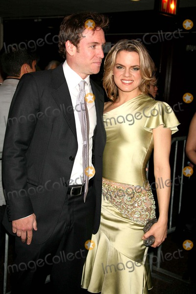 Amy Spanger Photo - STEPHEN LYNCH AND AMY SPANGER ARRIVING AT THE 51ST ANNUAL DRAMA DESK AWARDS AT FIORELLO H. LaGUARDIA HIGH SCHOOL OF MUSIC & ART AND PERFORMING ARTS CONCERT HALL AT LINCOLN CENTER IN NEW YORK CITY ON 05-21-2006.  PHOTO BY HENRY McGEE/GLOBE PHOTOS, INC. 2006.