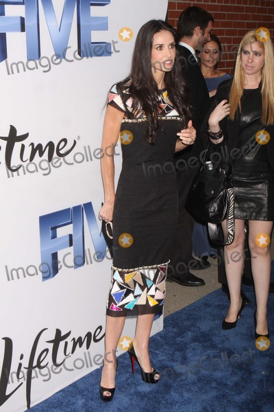 """Demi Moore Photo - Demi Moore Arriving at the World Premiere of Lifetime's """"Five"""" at Skylight Soho in New York City on 09-26-2011. Photo by Henry Mcgee-Globe Photos, Inc. 2011."""