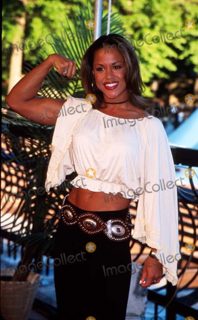 "Alicia Calaway Photo - Sd05/20/02 ""Survivor"" (Marquesas) Season Finale-wollman Rink Central Park,nyc Alicia Calaway Photo by Henry Mcgee Globe Photos"