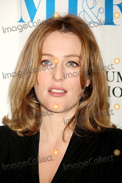 Gillian Anderson Photo - Gillian Anderson at Discussion and Screening of Bbc's Bleak House at the Museum of Television & Radio in New York City on 06-06-2006. Photo by Henry Mcgee/Globe Photos, Inc. 2006.
