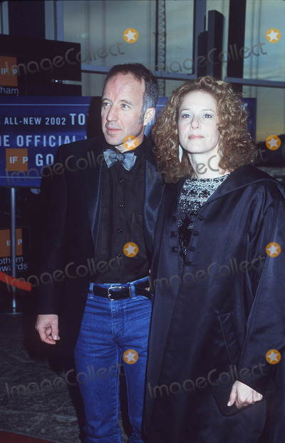 Debra Winger, Arliss Howard Photo - 11th Annual Gotham Awards Chelsea Piers, NYC 09/10/01 Debra Winger and Arliss Howard Photo by Henry Mcgee/Globe Photos, Inc.