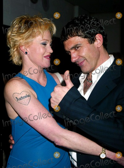Antonio Banderas, Melanie Griffith, Melanie Griffiths Photo - MELANIE GRIFFITH AND ANTONIO BANDERAS IN THE PRESS ROOM FOR THE 48TH ANNUAL DRAMA DESK AWARDS AT FIORELLO H. LAGUARDIA HIGH SCHOOL OF MUSIC  & ART AND PERFORMING ARTS CONCERT HALL IN LINCOLN CENTER IN NEW YORK CITY ON MAY 18, 2003.PHOTO  HENRY MCGEE/GLOBE PHOTOS, INC. 2003.K30721HMC