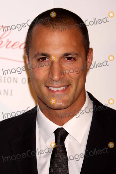 Nigel Barker, Valentino, Valentino Garavani Photo - Nigel Barker Arriving at Samsung Electronics' Premiere of the Red Thread: the Inspiration and Passion of Valentino Garavani at the Grace Building in New York City on 09-03-2008. Photo by Henry Mcgee/Globe Photos, Inc. 2008.