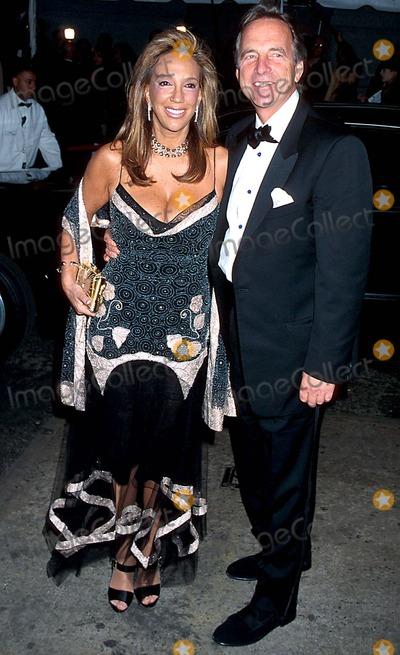 David Gest, Liza Minnelli Photo - Sd03162002 Liza Minnelli & David Gest Wedding Reception at the Regent Wall Street, New York City Photo: Henry Mcgee/ Globe Photos Inc. 2002 Denice Rich