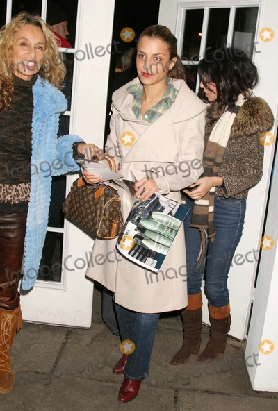 Ann Jones, Charlotte Ronson, Jennifer Lopez, Anne Jones, JENNIFER LOPEZ, Photo - Charlotte Ronson at Jennifer Lopez Showing of Fall Collection at the the Tent in Bryant Park in New York City on 02-11-2005. Photo by Henry Mcgee/Globe Photos, Inc. 2005