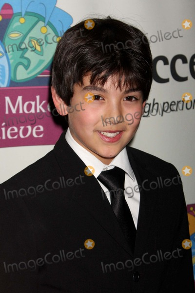 Alex Ko, Koßn Photo - Alex Ko Arriving at the Only Make Believe 10th Anniversary Gala at the Shubert Theatre in New York City on 11-02-2009. Photo by Henry Mcgee-Globe Photos, Inc. 2009.
