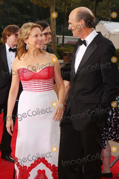James Taylor, Kim Smedvig, Caroline Taylor Photo - James Taylor and Wife Caroline Taylor Arriving at the Metropolitan Opera's 125th Anniversary Opening Night Gala at Lincoln Center Plaza in New York City on 09-22-2008. Photo by Henry Mcgee/Globe Photos, Inc. 2008.