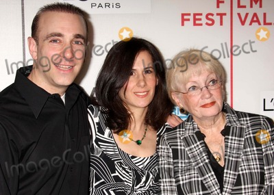 """Adrienne Shelly Photo - Elaine Langbaum and Family (Mother of Adrienne Shelly) Arriving at the Tribeca Film Festival Premiere of """"Serious Moonlight"""" at Bmcc Tribeca Performing Arts Center in New York City on 04-25-2009. Photo by Henry Mcgee-Globe Photos, Inc. 2009."""