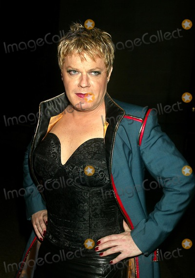 Eddie Izzard Photo - Eddie Izzard at Bravehearts: Men in Skirts Opening Reception in the Costume Institute of the Metropolitian Museum of Art in New York City on November 3, 2003. Photo Henry Mcgee/Globe Photos, Inc. 2003.