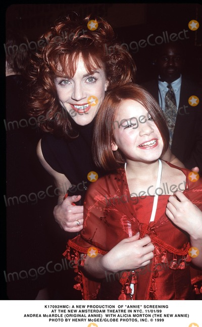 """Andrea McArdle Photo - : a New Production of """"Annie"""" Screening at the New Amsterdam Theatre in NYC. 11/01/99 Andrea Mcardle (Original Annie) with Alicia Morton (the New Annie) Photo by Henry Mcgee/Globe Photos, Inc."""