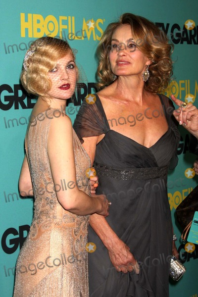 """Drew Barrymore, Jessica Lange, Jessica Lang Photo - Drew Barrymore and Jessica Lange Arriving at the Premiere of Hbo Films' """"Grey Gardens"""" at the Ziegfeld Theater in New York City on 04-14-2009. Photo by Henry Mcgee-Globe Photos, Inc. 2009."""