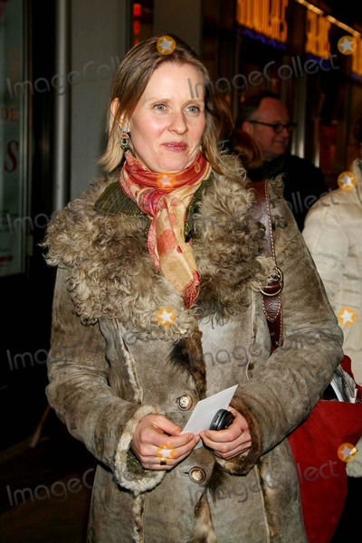 Cynthia Nixon, Kiss Photo - Cynthia Nixon Arriving at the Opening Night of the Roundabout Theatre Company's Production of Prelude to a Kiss at the American Airlines Theatre in New York City on 03-08-2007. Photo by Henry Mcgee/Globe Photos, Inc. 2007.
