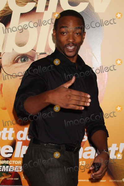 """Anthony Mackie Photo - Anthony Mackie Arriving at the Premiere of Warner Bros. Pictures' """"the Informant!"""" at the Ziegfeld Theatre in New York City 09-15-2009. Photo by Henry Mcgee-Globe Photos, Inc. 2009."""
