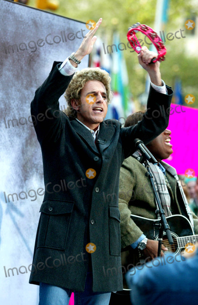 Al Roker, Matt Lauer, Art Garfunkel Photo - Matt Lauer (Dressed As Art Garfunkel) at Nbc's Today Show Annual Halloween Contest in Rockefeller Plaza at the NBC Studios on October 31, 2003. Photo Henry Mcgee/Globe Photos, Inc. 2003.