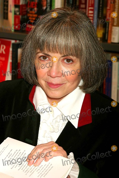 Anne Rice, Ann Rice Photo - Anne Rice Signing Christ the Lord at Posman's Bookstore at Grand Central Station in New York City on 11-01-2005. Photo by Henry Mcgee/Globe Photos, Inc. 2005.