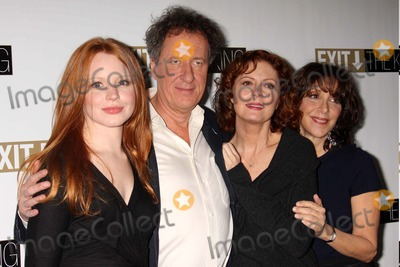 """Andrea Martin, Geoffrey Rush, Lauren Ambrose, Rush, Susan Sarandon Photo - Lauren Ambrose, Geoffrey Rush, Susan Sarandon and Andrea Martin at Photo Call For the Broadway Production of """"Exit the King"""" at Providence in New York City on 02-18-2009. Photo by Henry Mcgee/Globe Photos, Inc. 2009."""