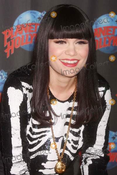 "Jessie J, Jessie J., JessieJ, Jessy J Photo - Jessie J Celebrates the Success of Her Platinum Selling Debut Album ""Who You Are"" with a Handprint Ceremony at Planet Hollywood Times Square in New York City on 05-19-2011.  Photo by Henry Mcgee-Globe Photos, Inc. 2011."