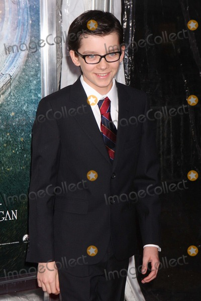 """Asa Butterfield Photo - Asa Butterfield Arriving at the World Premiere of Paramount Pictures' """"Hugo in 3d"""" at the Ziegfeld Theatre in New York City on 11-21-2011. Photo by Henry Mcgee-Globe Photos, Inc. 2011."""