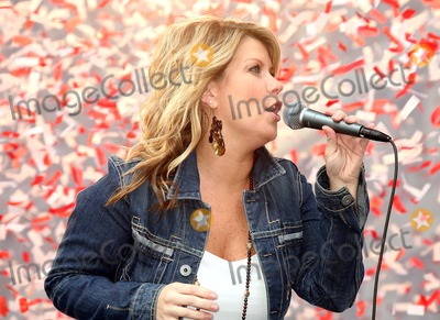 Natalie Grant Photo - Natalie Grant at Eif's 9th Annual Revlon Run/walk For Women in Times Square in New York City on 05-06-2006. Photo by Henry Mcgee/Globe Photos, Inc. 2006.