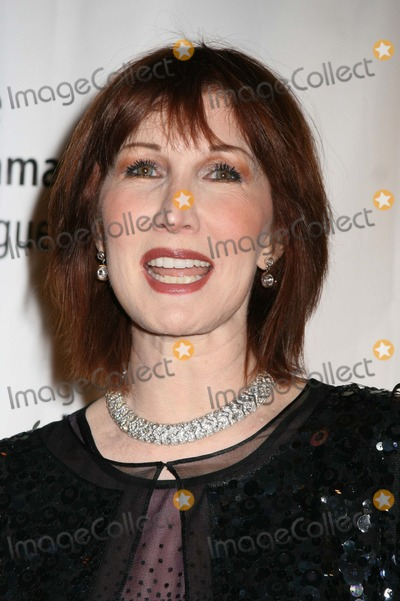 """Joanna Gleason Photo - NYC  02/05/07Joanna Gleason at the 22nd annual benefit gala for THE DRAMA LEAGUE, """"When Hollywood Met Broadway: Great Songs from Stage and Screen"""", at the Rainbow RoomDigital Photo by Adam Nemser-PHOTOlink.net"""