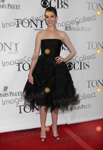 Anne Hathaway, Ann Hathaway Photo - NYC  06/07/09