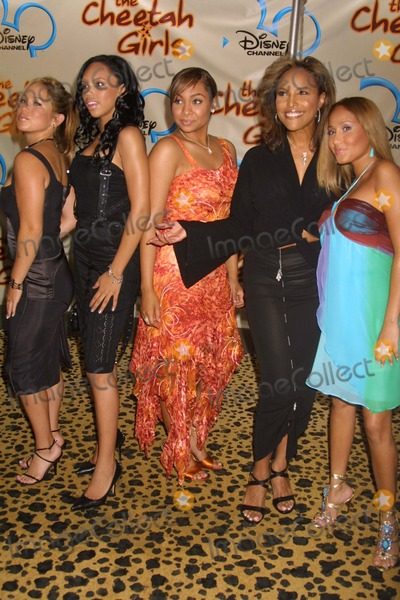 Photos and Pictures - NYC 08/05/03 Raven, Lynn Whitfield and